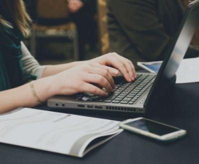 curso online Técnicas documentais em língua portuguesa - correspondência comercial